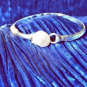 Nautical bracelet featuring sterling and 14k shell